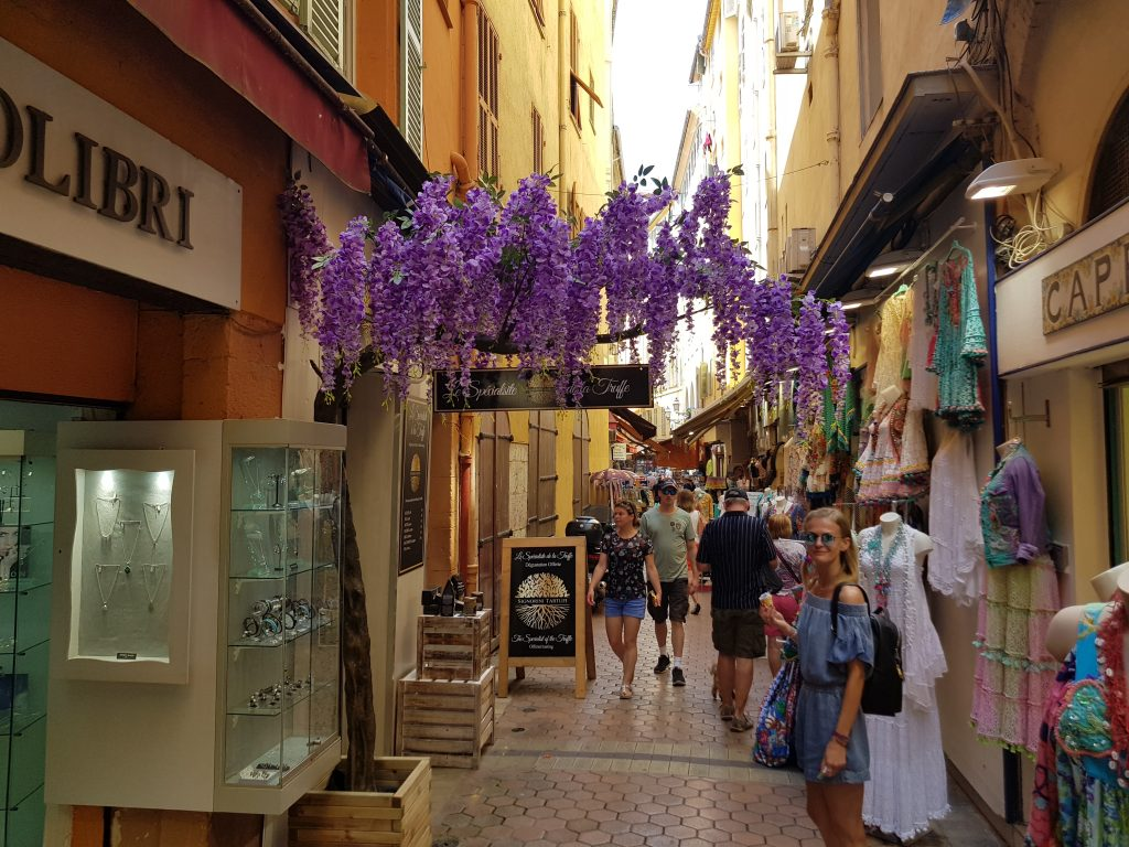 French Riviera things to do Things to see in Nice - Gelateria AZZURRO Nice