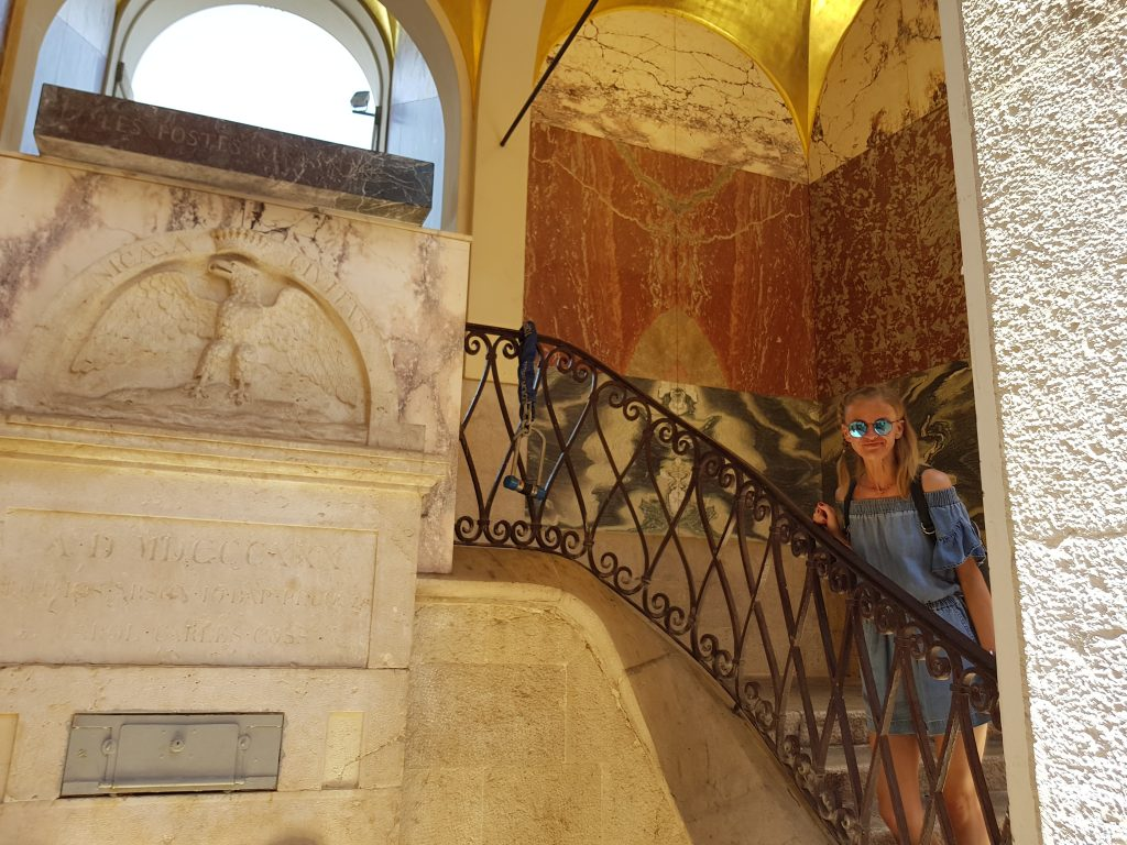 French Riviera things to do Things to see in Nice - old town Nice