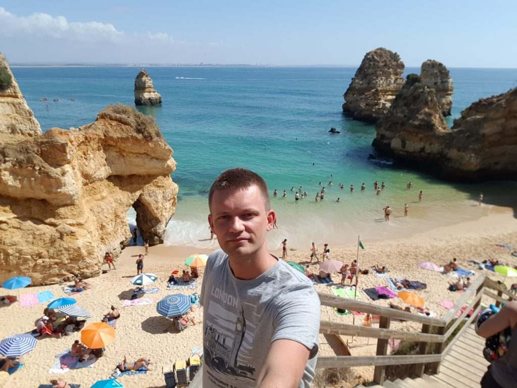 Best beaches in Algarve - Best beaches near LAGOS - Praia do Camilo