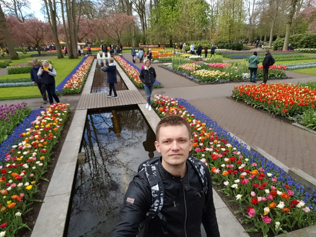 Ideas for Travel Bucket List - Travel to Keukenhof to see tulips in bloom in Holland