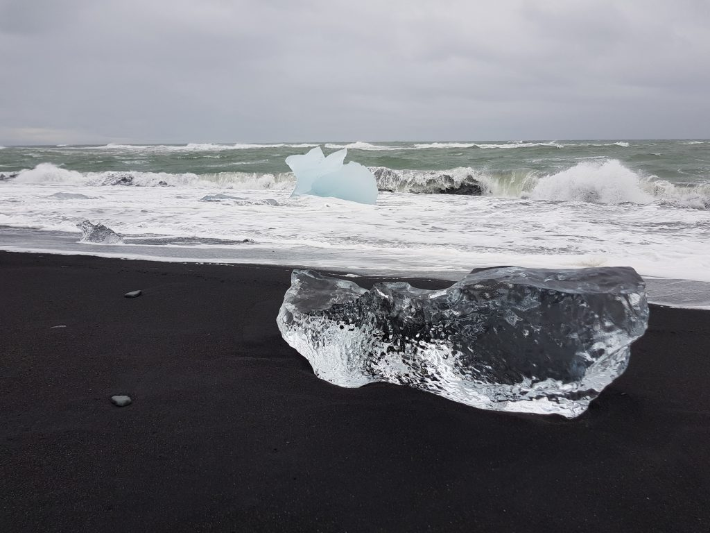 Travel Bucket List - Visit diamond beach in Iceland