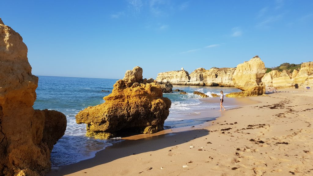 Best beaches in Algarve - Best beaches near ALBUFEIRA - Praia de Sao Rafael Algarve