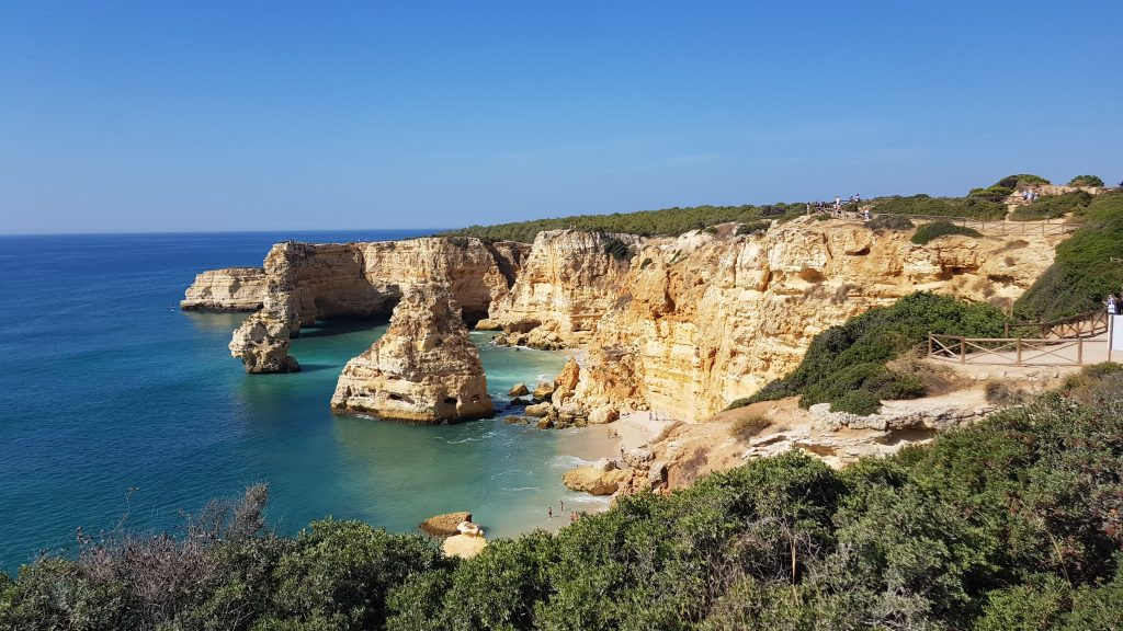Best beaches in Algarve - Best beaches near PORTIMAO - Praia de Marinha Algarve PT
