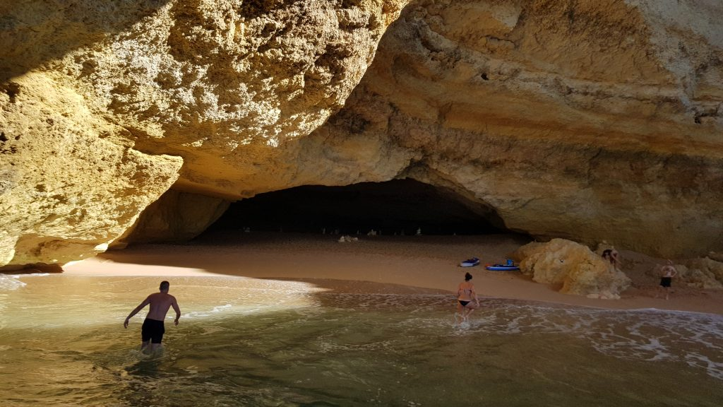 How to get to Benagil Cave algarve