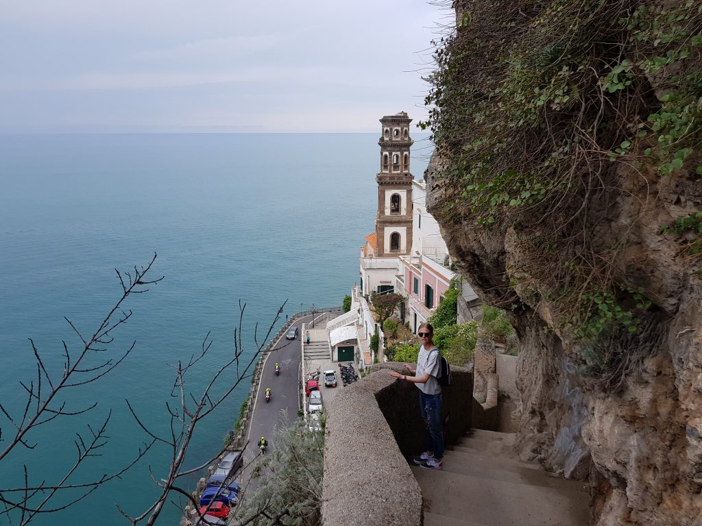 Where does Amalfi Coast start and end