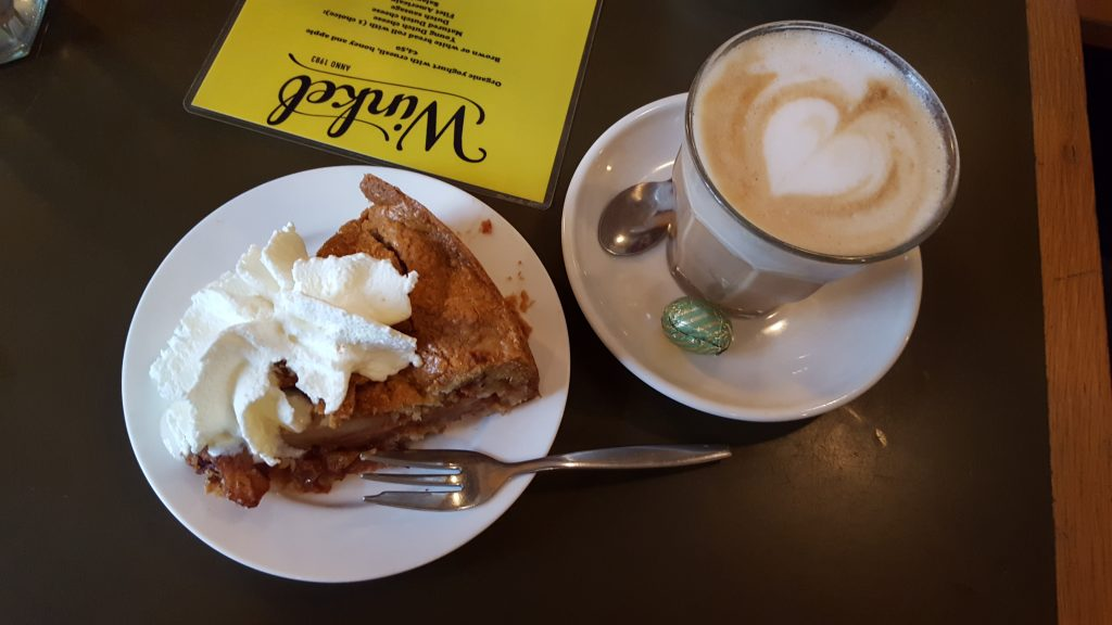 What to do in Amsterdam - Apple Pie at Winkel 43
