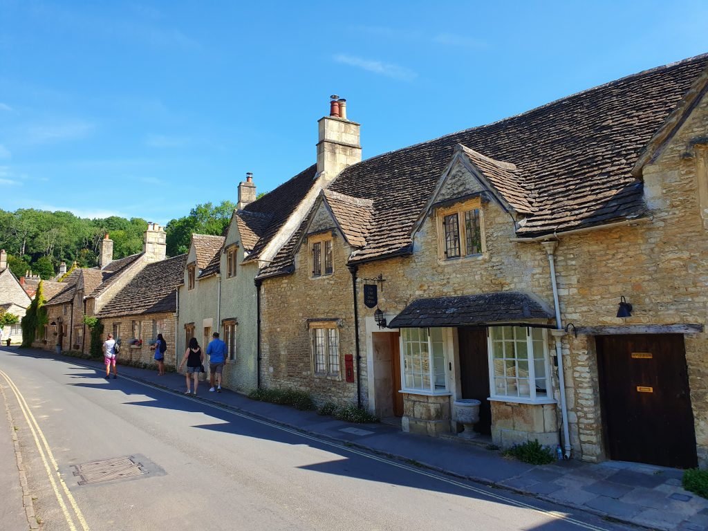 Was Castle Combe named the prettiest village in England