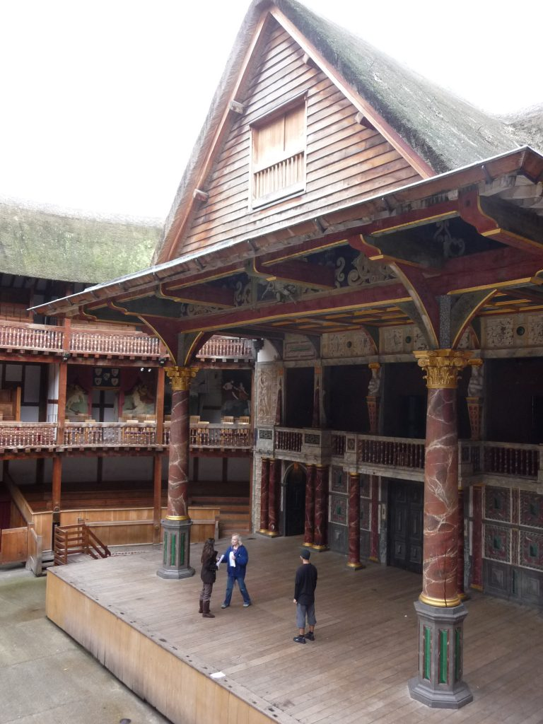 Romantic places in London - Globe Theatre