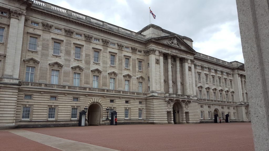 Famous landmarks in London - Buckingham Palace