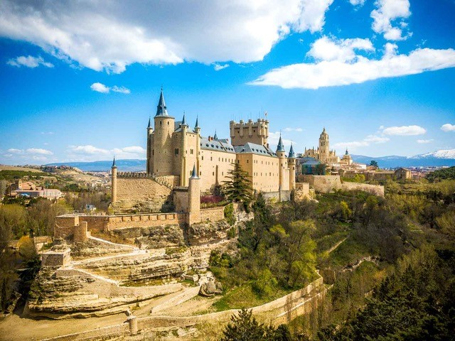 Alcazar de Segovia - unique places to visit in Spain