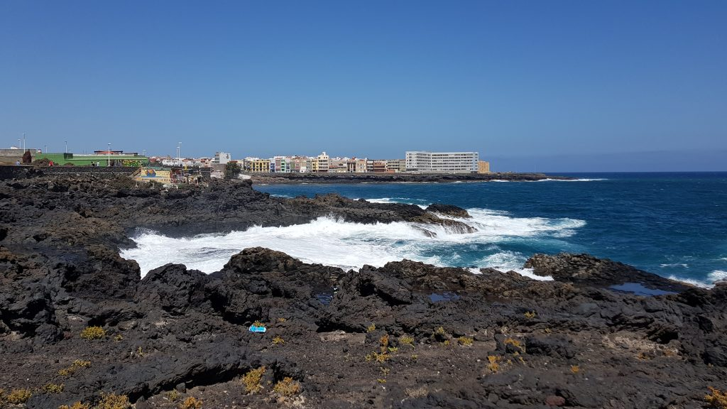 Where is warm in March in Europe - Gran Canaria in spring