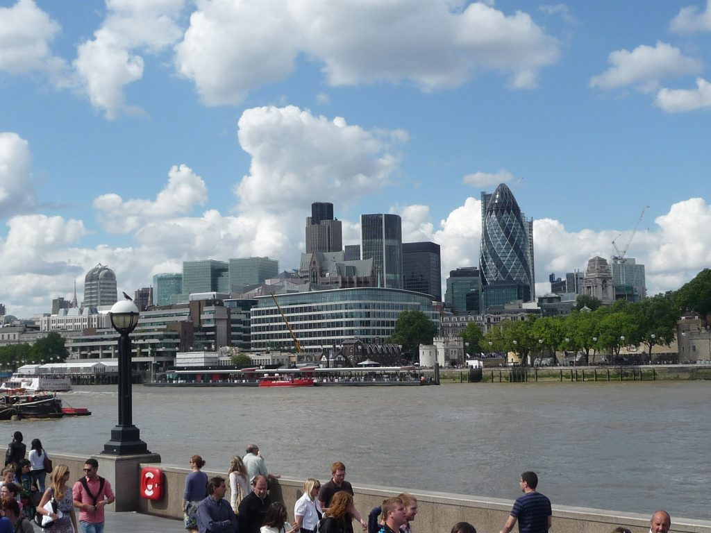 Where is warm in March in Europe - London in spring