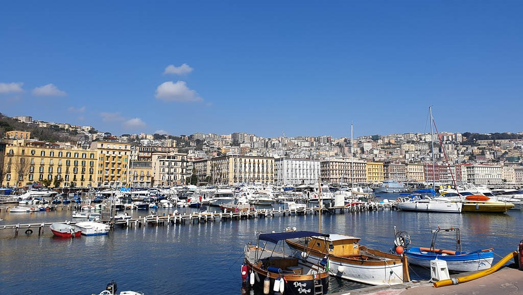 Where is warm in March in Europe - Naples in spring
