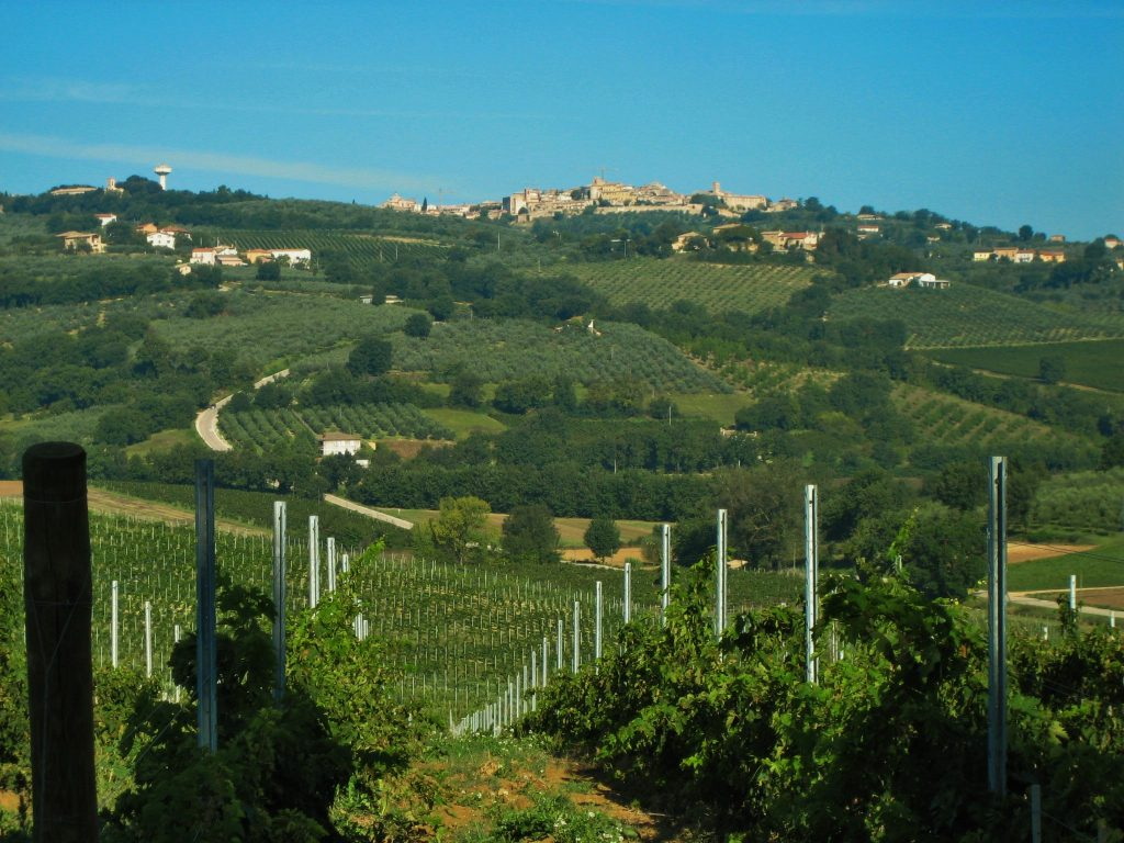 Where is warm in May in Europe - Spring in Umbria