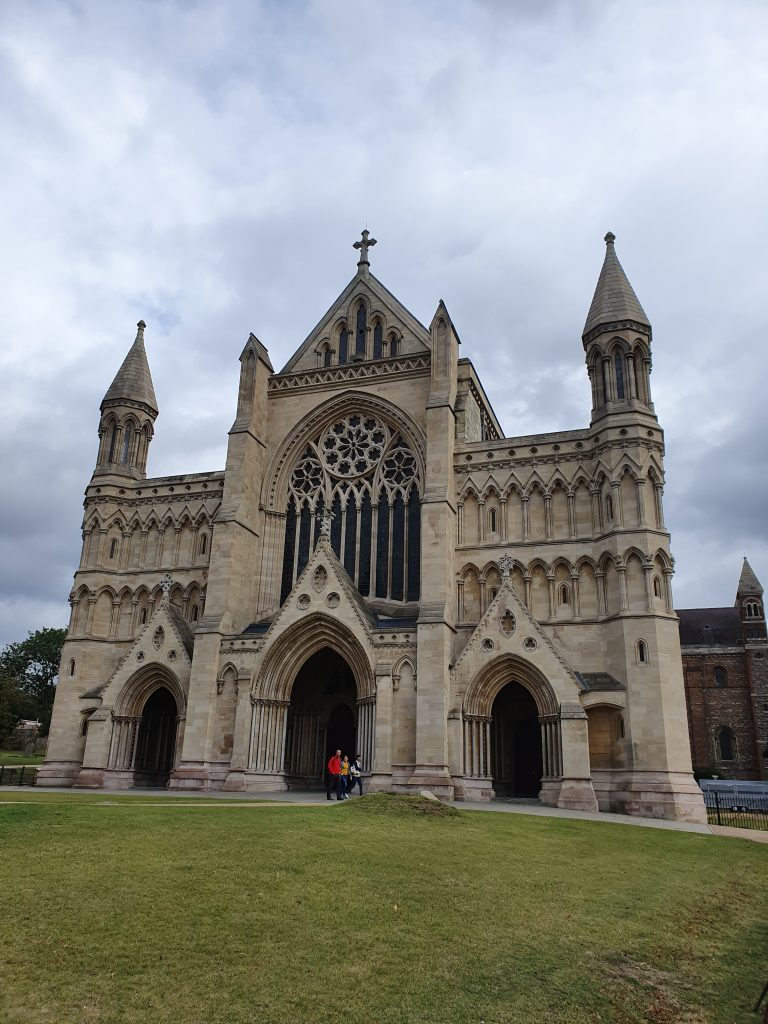 Landmarks in England - St Albans Cathedral