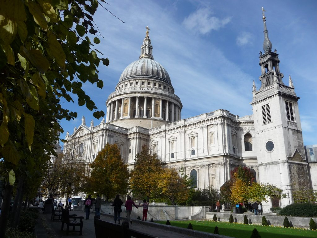 Most famous landmarks in England - St Paul's Cathedral