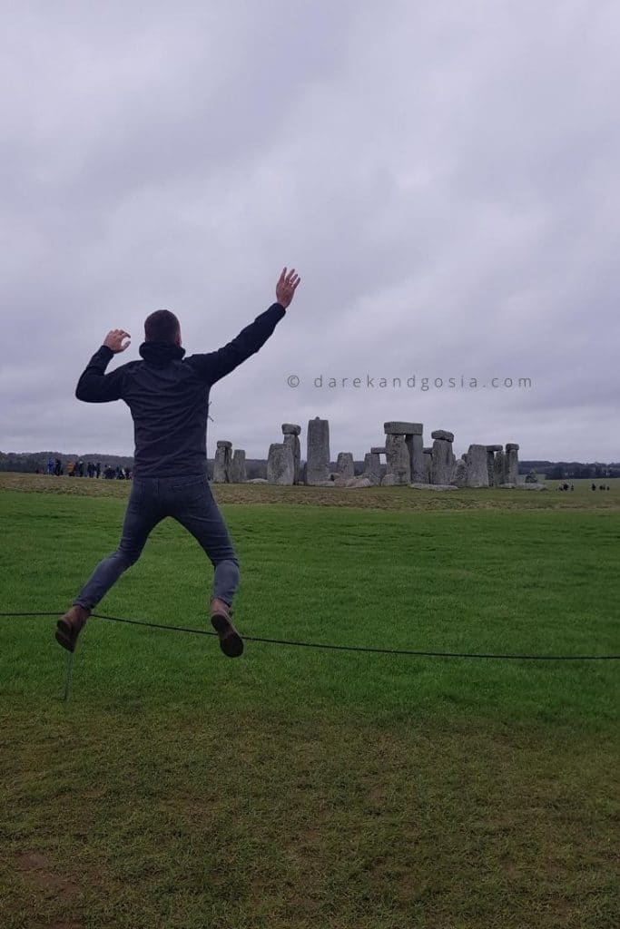 Places to visit near London - Stonehenge