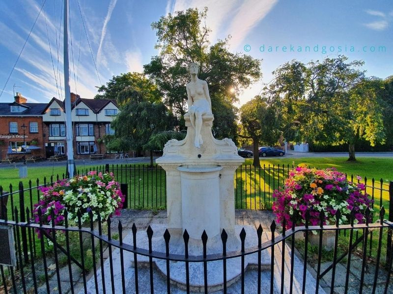 Best things to do in Marlow - Statue in memory of Charles Frohman
