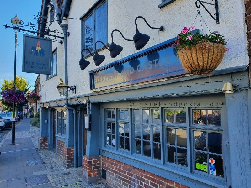 Things to do in Amersham Buckinghamshire - The Elephant and Castle