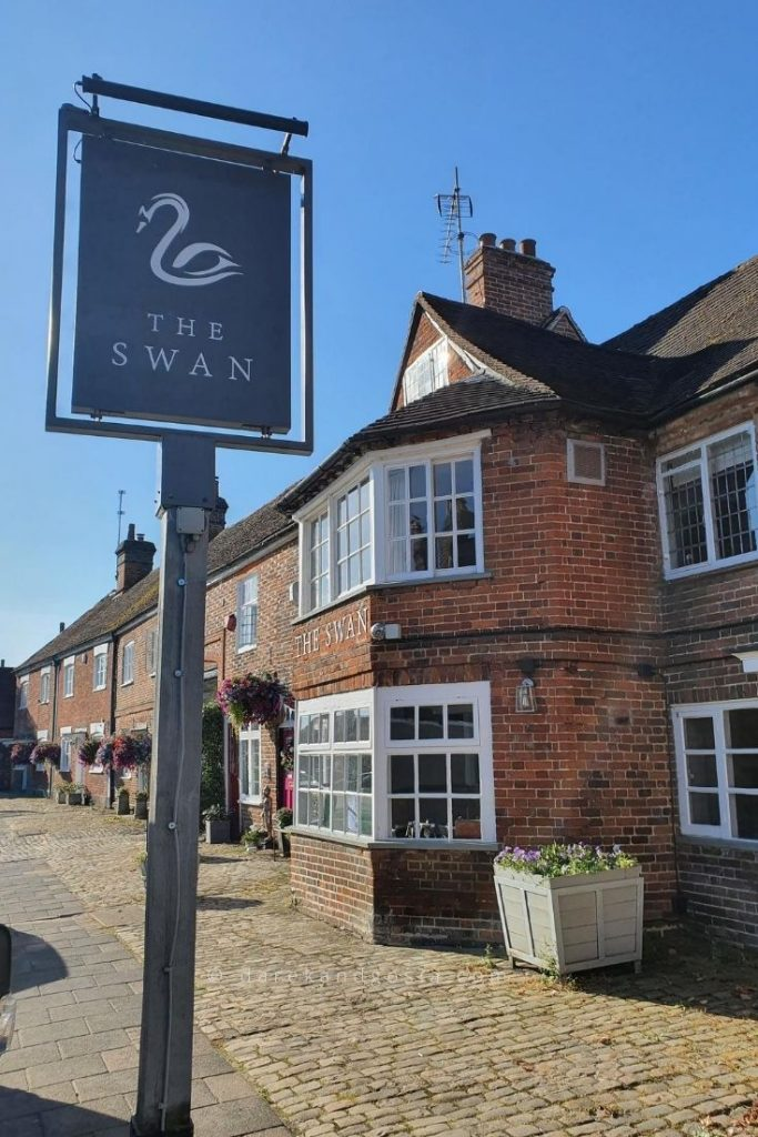 Things to see in Old Amersham - The Swan
