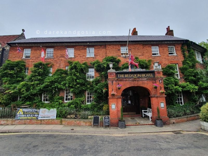 Henley on Thames - The Red Lion Hotel - best places to stay