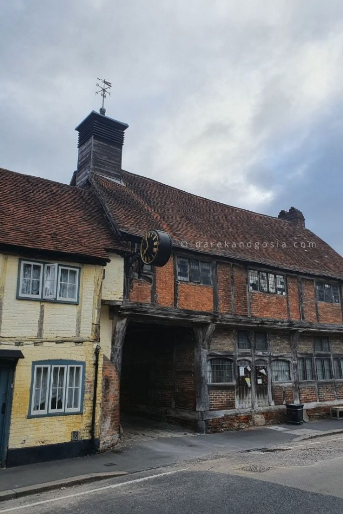 Things to do in West Wycombe - Old Buildings