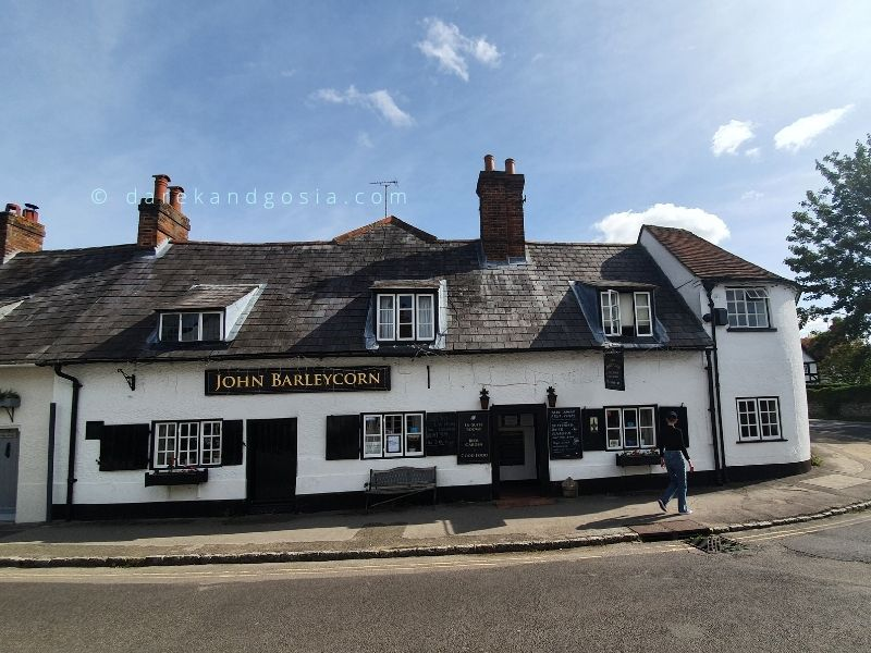 Goring on Thames Oxfordshire - The John Barleycorn