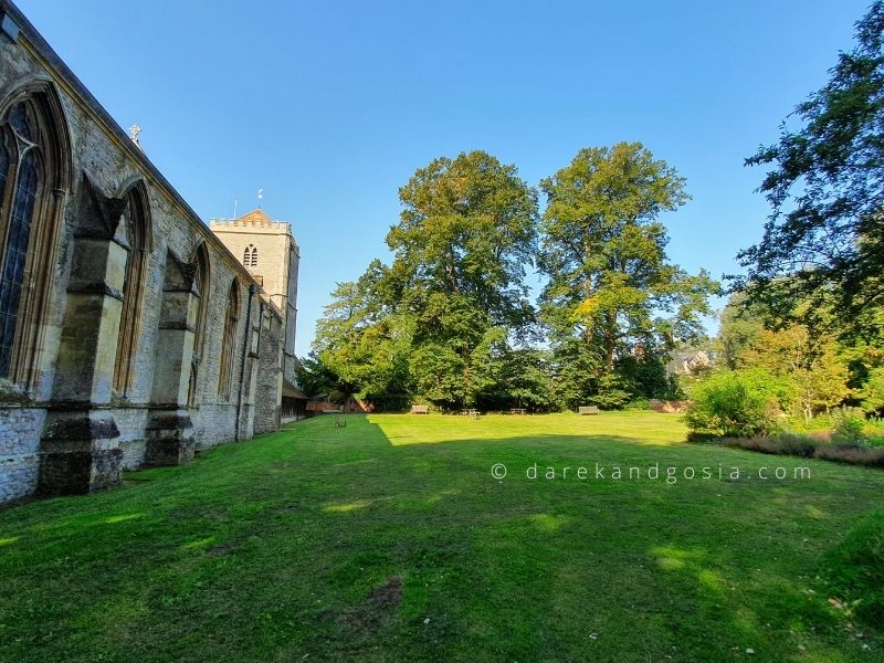 Things to do in Dorchester on Thames Oxfordshire - Garden behind Dorchester Abbey