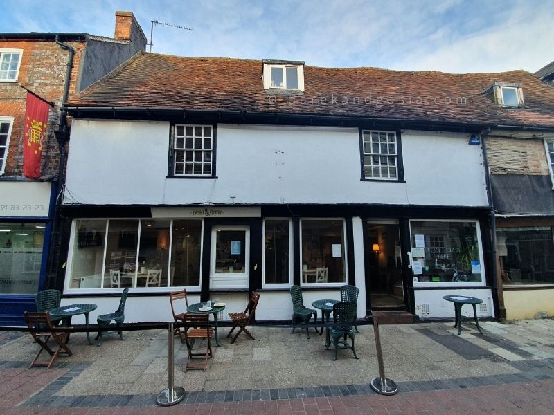 Things to do in Wallingford in Oxfordshire - Bean & Brew