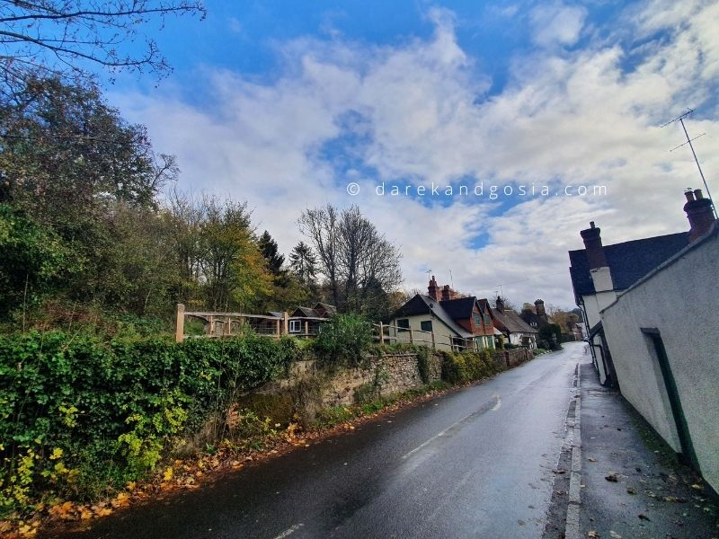 What to see in Shere Surrey - Upper Street