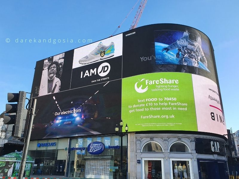 Iconic landmarks in London - Piccadilly Circus