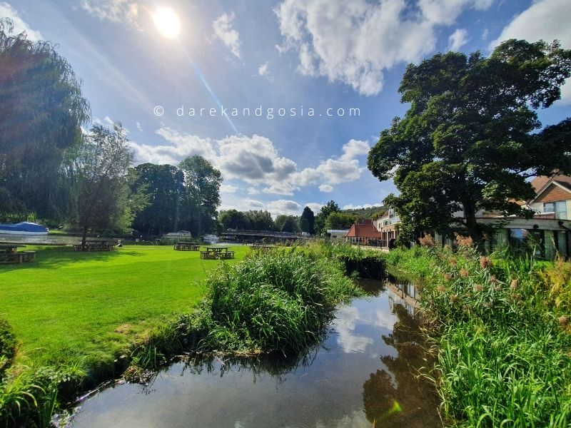 Places to visit in Oxfordshire - Goring on Thames