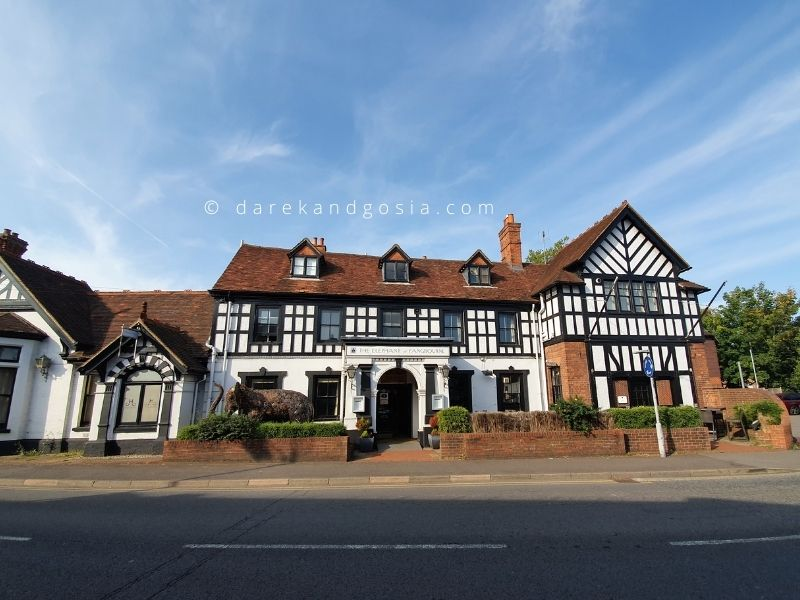 Things to do in Pangbourne Berkshire - The Elephant Hotel
