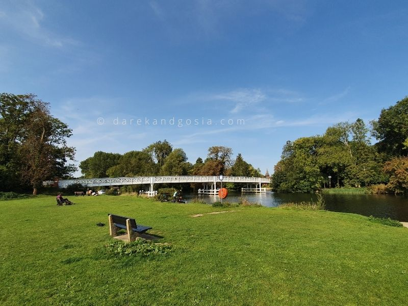 Things to do in Pangbourne Berkshire - The Toll Bridge