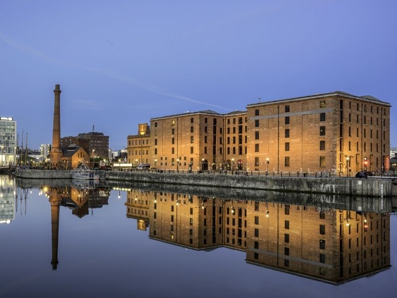Famous monuments in England - Albert Dock, Liverpool