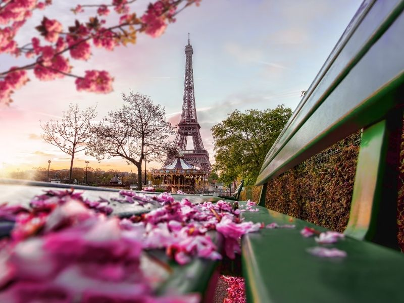 Romantic European cities - Paris
