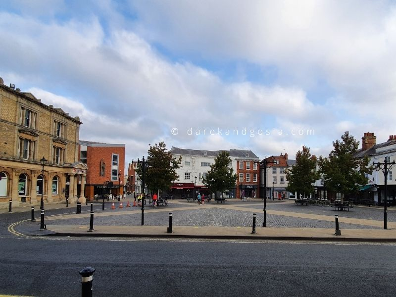 Things to do in Abingdon-on-Thames - Abingdon main square