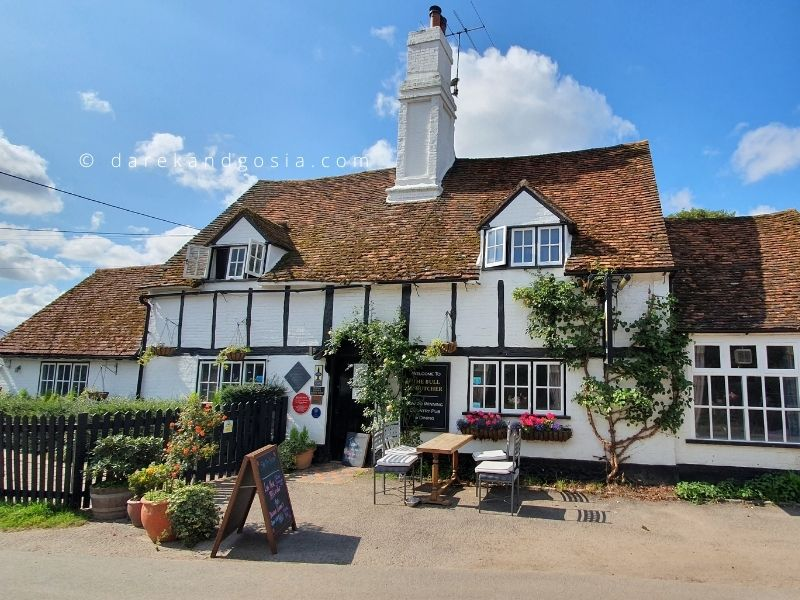 Country pubs near me - The Bull & Butcher, Turville