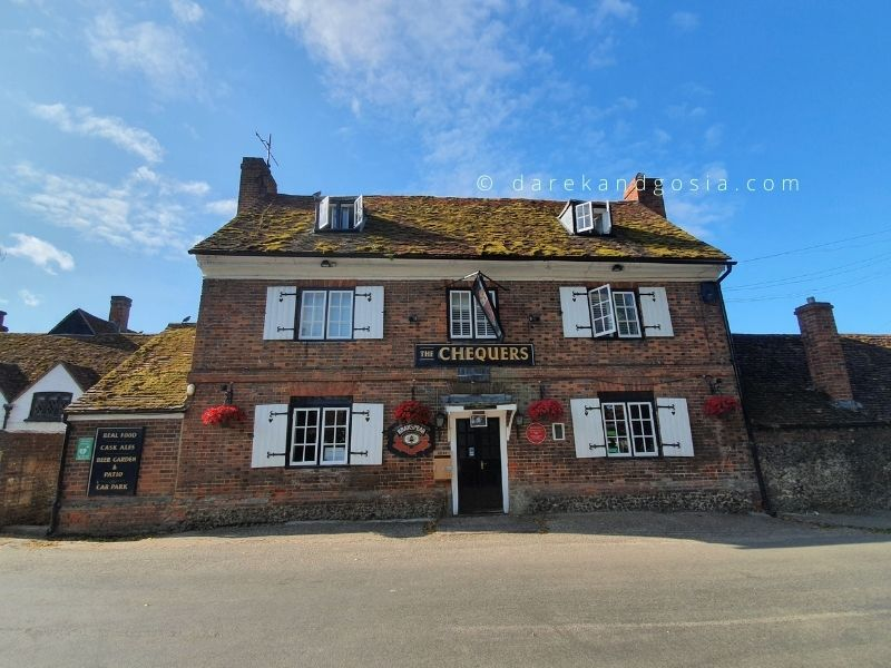 The best pubs near me from London - The Chequers Inn, Fingest