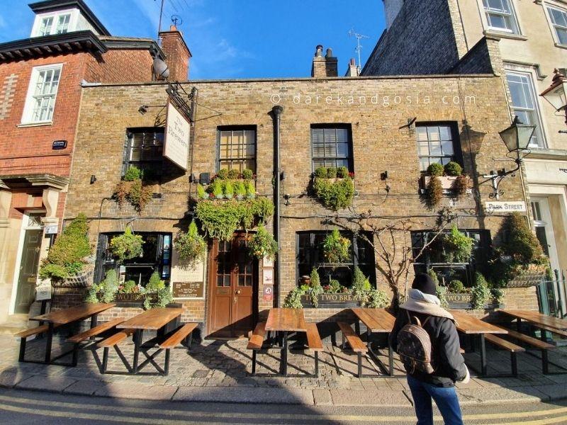 Top pubs near London - The Two Brewers, Windsor