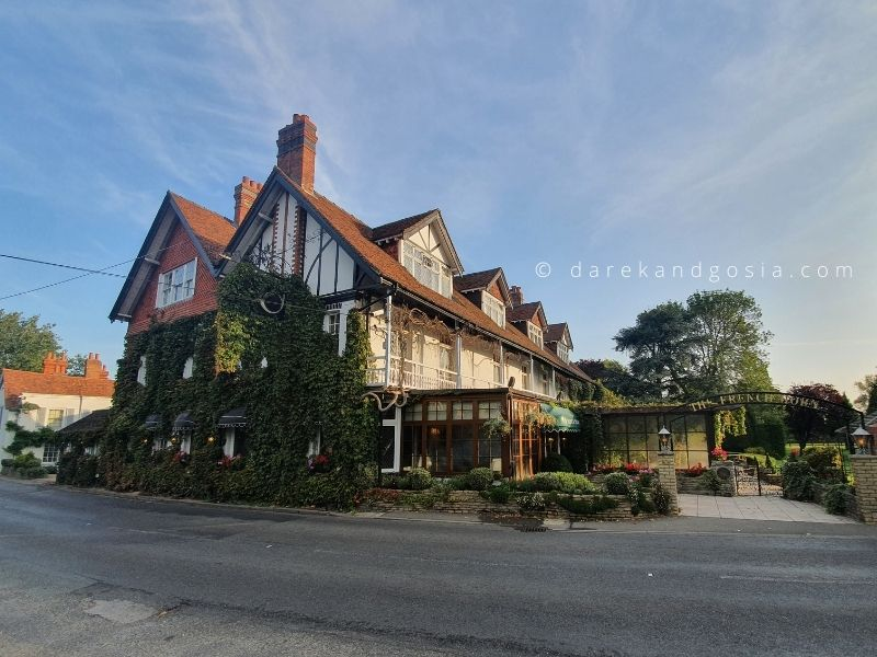 Village pubs near London - The French Horn, Sonning on Thames